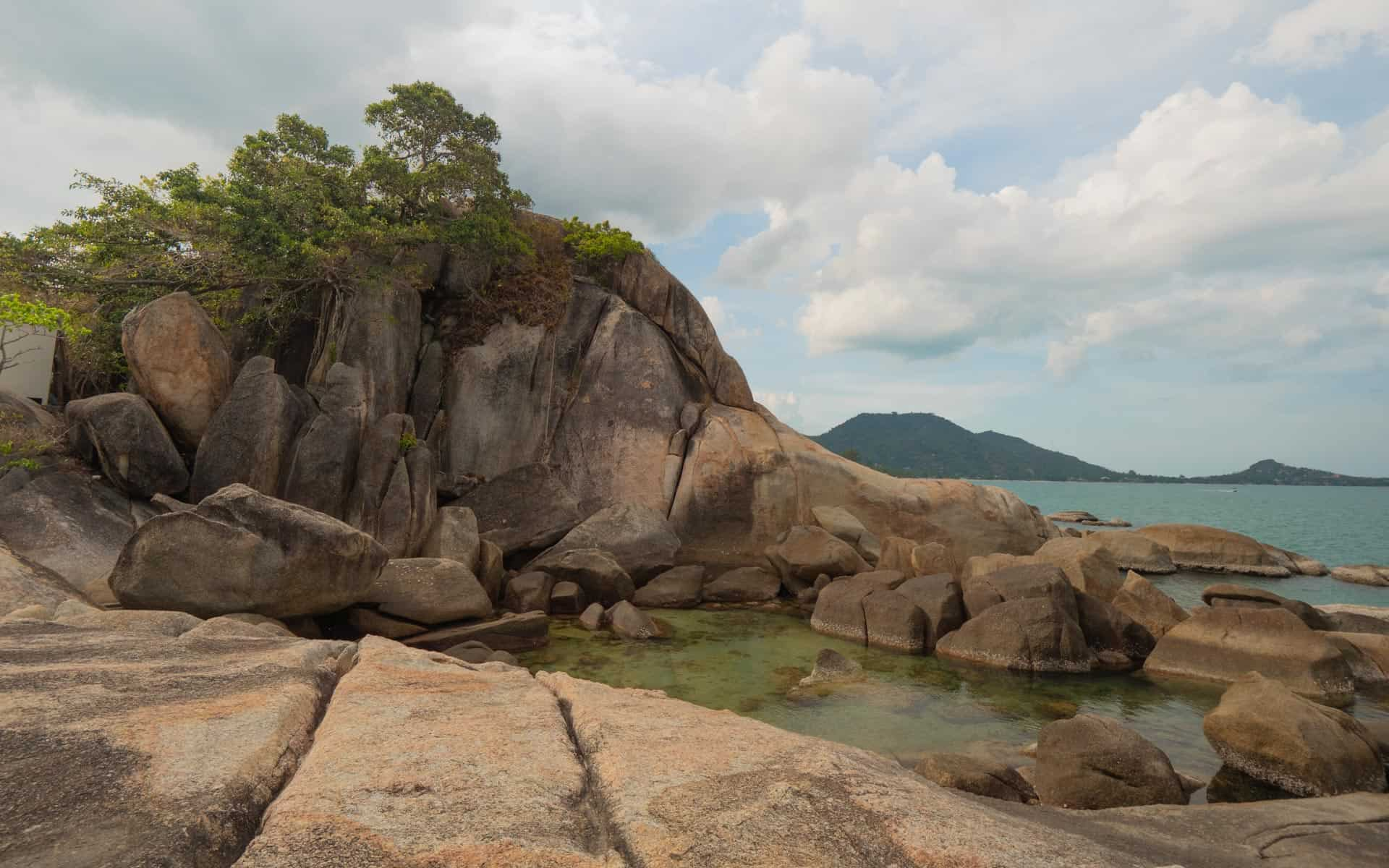 Hin-Ta-Hin-Yai-rocks-pool
