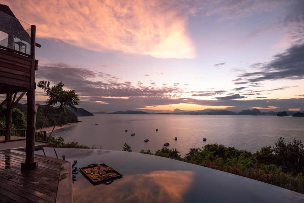 Six-Senses-Koh-Yao-Noi-floating-breakfast-sunrise