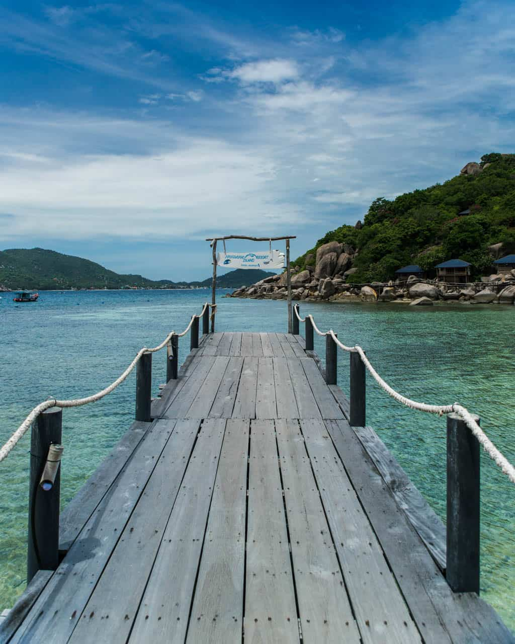 Koh-Nang-Yuan-island-boardwalk